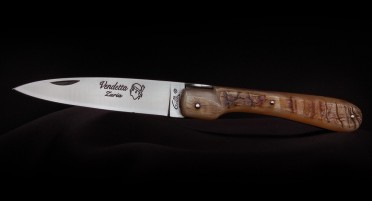 Vendetta Zuria Knife in Ram's Horn - Full Handle