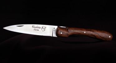Vendetta Zuria Knife in Walnut - Full handle