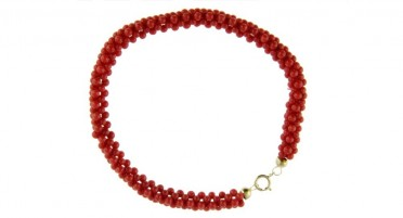 Bracelet braided in red Coral beads from Bonifacio and yellow gold clasp