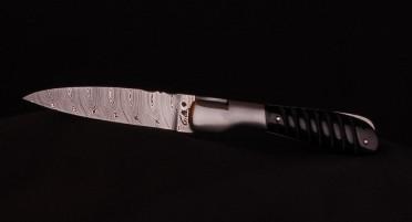 Couteau Corse Pialincu Corne de Buffle Damas Torsadé