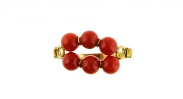 Bague en Or avec 6 perles en Corail de Bonifacio