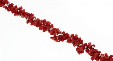 Necklace on 2 rows in 1/2 Coral tips and Silver pearls