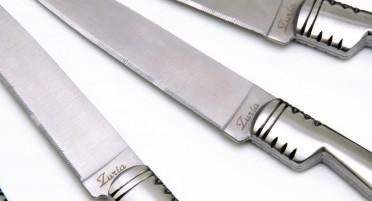 Coffret de 6 couteaux de table Vendetta, manche en Olivier et lame dentelée