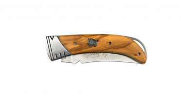 Couteau pliant imaginé en Corse avec système de sécurité puissant et souple à la fois