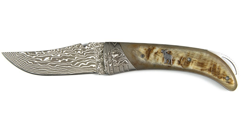 5c0ae9cf7c46 Couteau Corse pliant avec manche en Corne de Bélier, lame et mitre Damas,  cran de sécurité, design by Zuria, Couteliers à Bonifacio