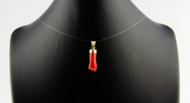 Corsican pendant in the shape of fist in Coral and in Gold