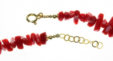 Bracelet in red coral and gold plated
