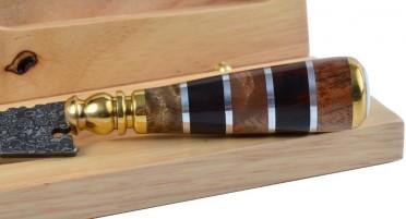 Stylet Damas, bois panaché et œil de Ste Lucie - Coffret en bois