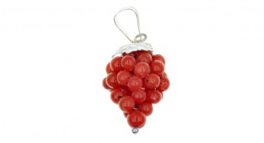 Grape-shaped pendant in red coral and silver
