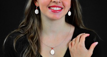 Parure de bijoux avec œil de Sainte Lucie et perle en corail - Argent