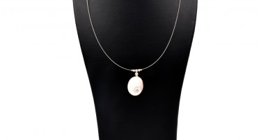 Necklace with the eye of St Lucia and silver beads