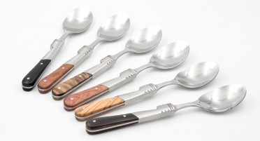Teaspoons with 6 variegated wooden handles and wooden box
