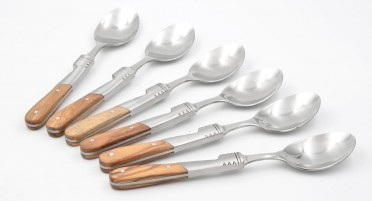 Teaspoons with olive wood handle and wooden box