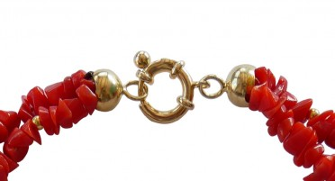 Bonifacio red coral necklace and small gold plated pearls